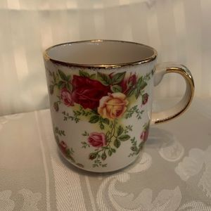 Beautiful Royal Albert Old Country Roses mugs